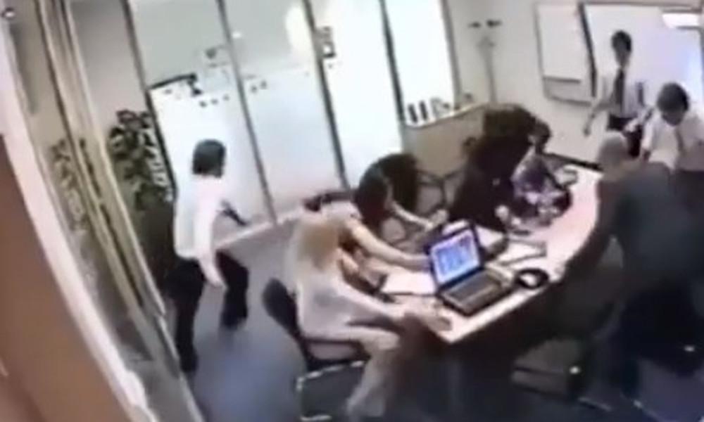 Αυτοί είναι οι χειρότεροι υπάλληλοι που έχεις δει ποτέ! (video)