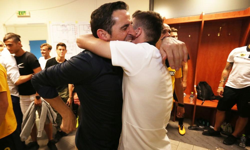 ΑΕΚ-Ολυμπιακός 3-2: Στήθηκε πάρτι στα κιτρινόμαυρα αποδυτήρια (pics)
