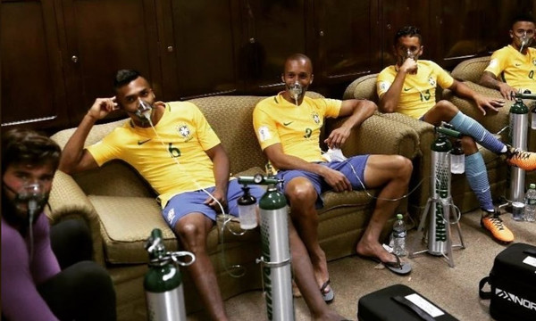 Απίστευτο! Οι παίκτες της Βραζιλίας με μάσκες οξυγόνου μετά τη Βολιβία! (photos)