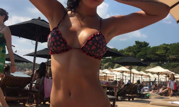 Διάσημη Ελληνίδα «ρίχνει» το Instagram με καυτά εσώρουχα!