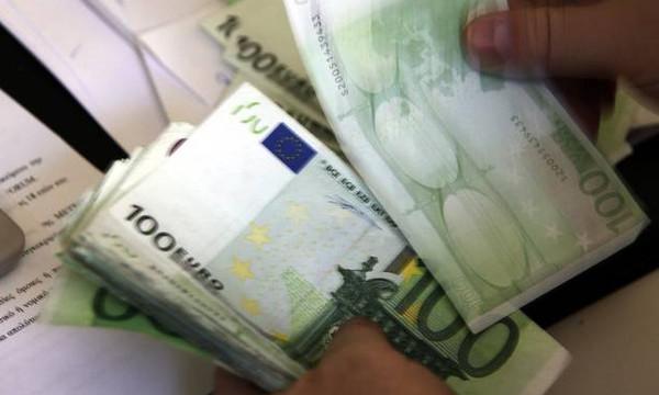 Κοινωνικό μέρισμα: Τι αλλάζει στα κριτήρια, ποιοι το δικαιούνται και πώς θα πάρουν τα χρήματα