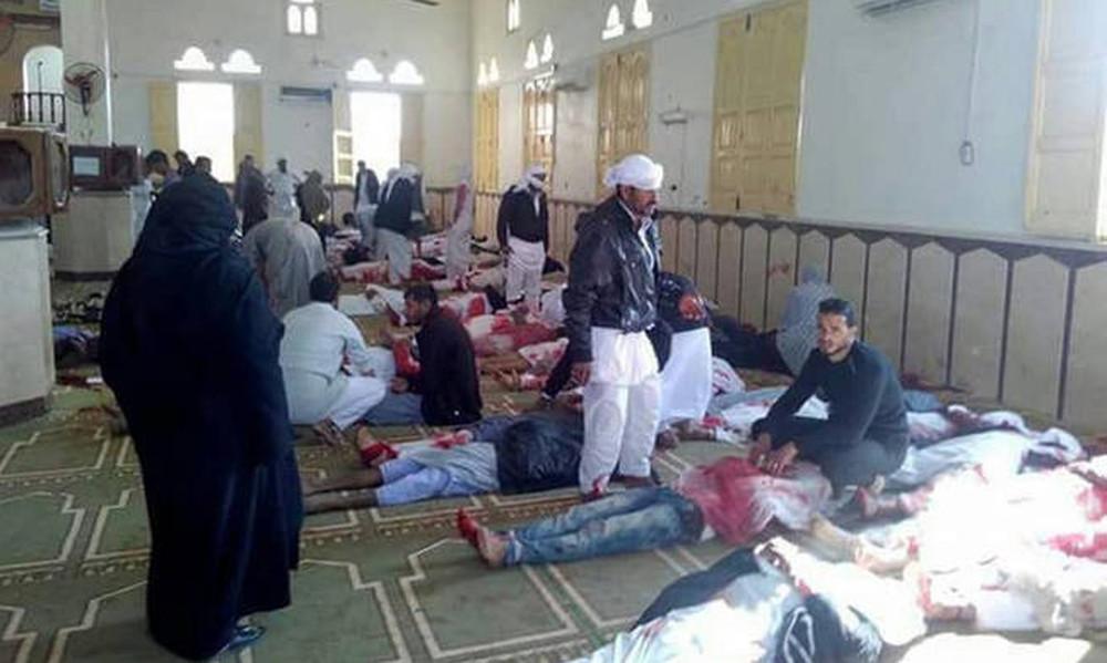 «Μάτωσε» η Αίγυπτος: Εκατόμβη νεκρών από διπλή τρομοκρατική επίθεση (ΠΡΟΣΟΧΗ! ΣΚΛΗΡΕΣ ΕΙΚΟΝΕΣ)