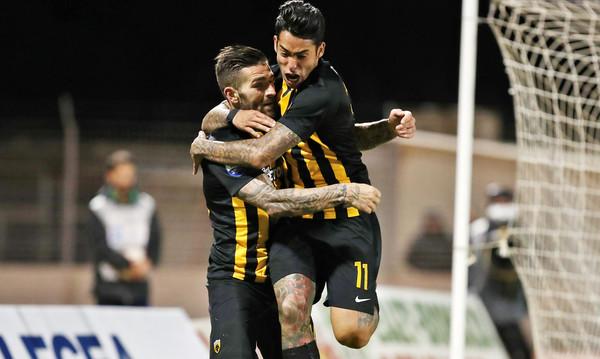 Λεβαδειακός-ΑΕΚ 0-2: Με Λιβάγια-Αραούχο φουλάρει για τίτλο!