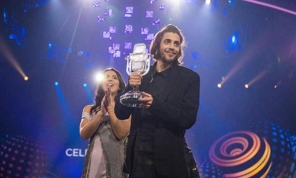 Συγκίνηση για τον φετινό νικητή της Eurovision! Η σοβαρή εγχείρηση, οι κρίσιμες ώρες & οι ελπίδες!