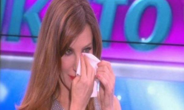«Όταν βλέπω τη Βίκυ Χατζηβασιλείου να κλαίει τόσο πολύ στην εκπομπή με πιάνουν τα γέλια»