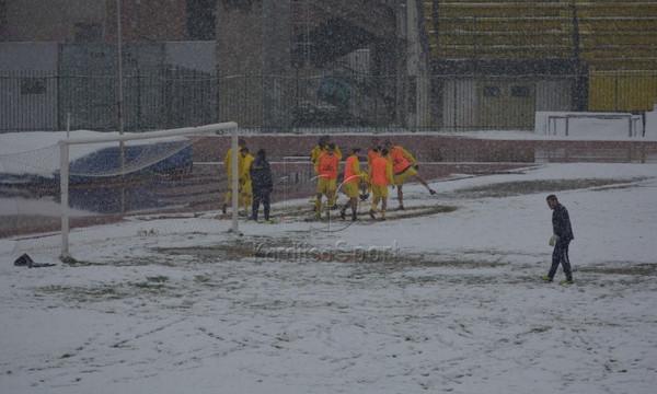 Football League: Αναβολή λόγω χιονιού για Αναγέννηση Καρδίτσας και Σπάρτη! (photos)