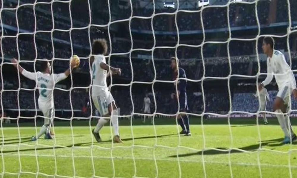 Ρεάλ Μαδρίτης - Μπαρτσελόνα: Κόκκινη Καρβαχάλ και 2-0 ο Μέσι με πέναλτι (video)