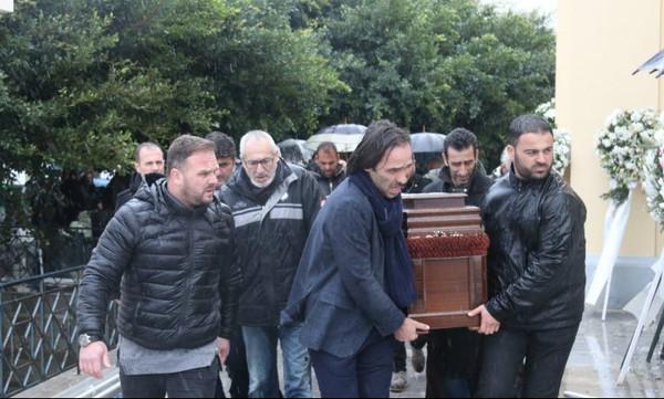 Ευγένιος Γκέραρντ: Πλήθος κόσμου στο «τελευταίο αντίο»! (photos)
